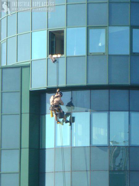 Usługi wysokościowe, mycie eleawacji wieżowców, okien