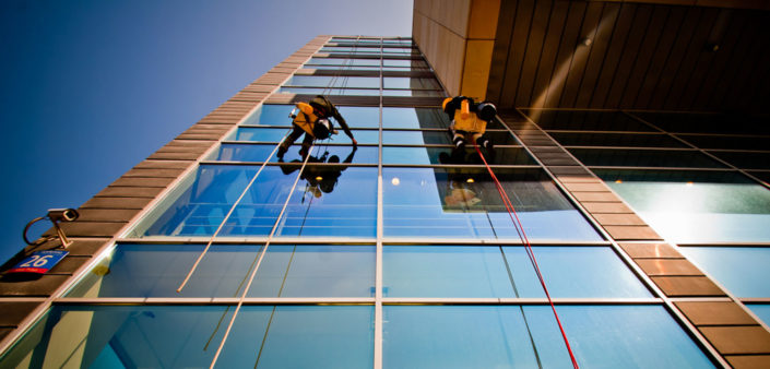Pracownicy na wysokości