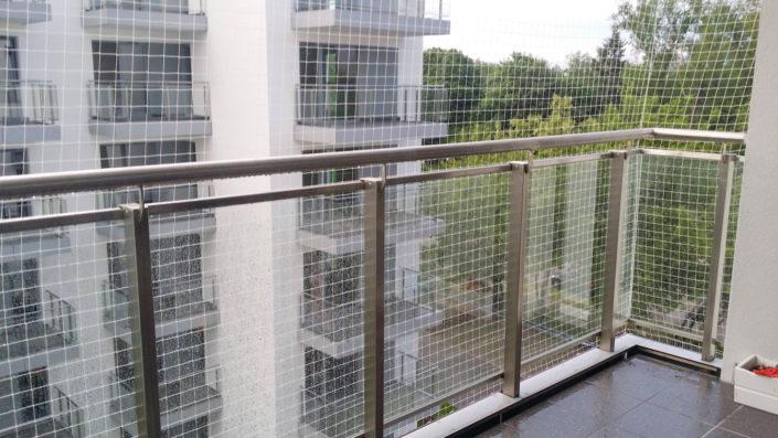 Siatki ochronne zabezpieczjące na balkony tarasy Warszawa