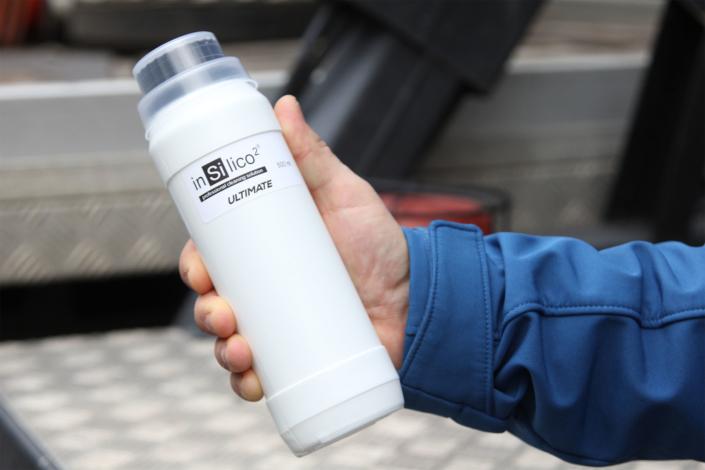 insilico2 warszawa produkt do czyszczenia elewacji szklanych budynków (6)